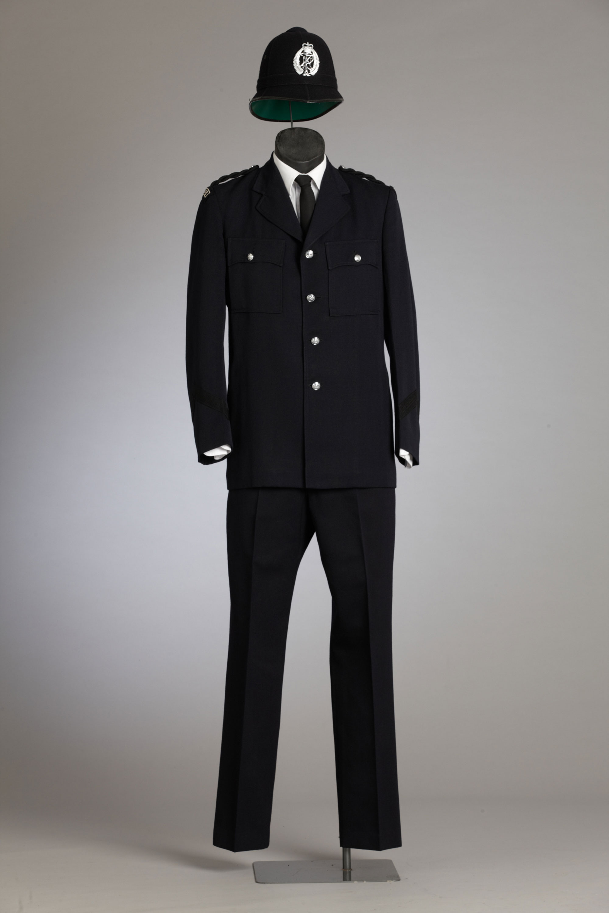 What are the different police uniforms used in different